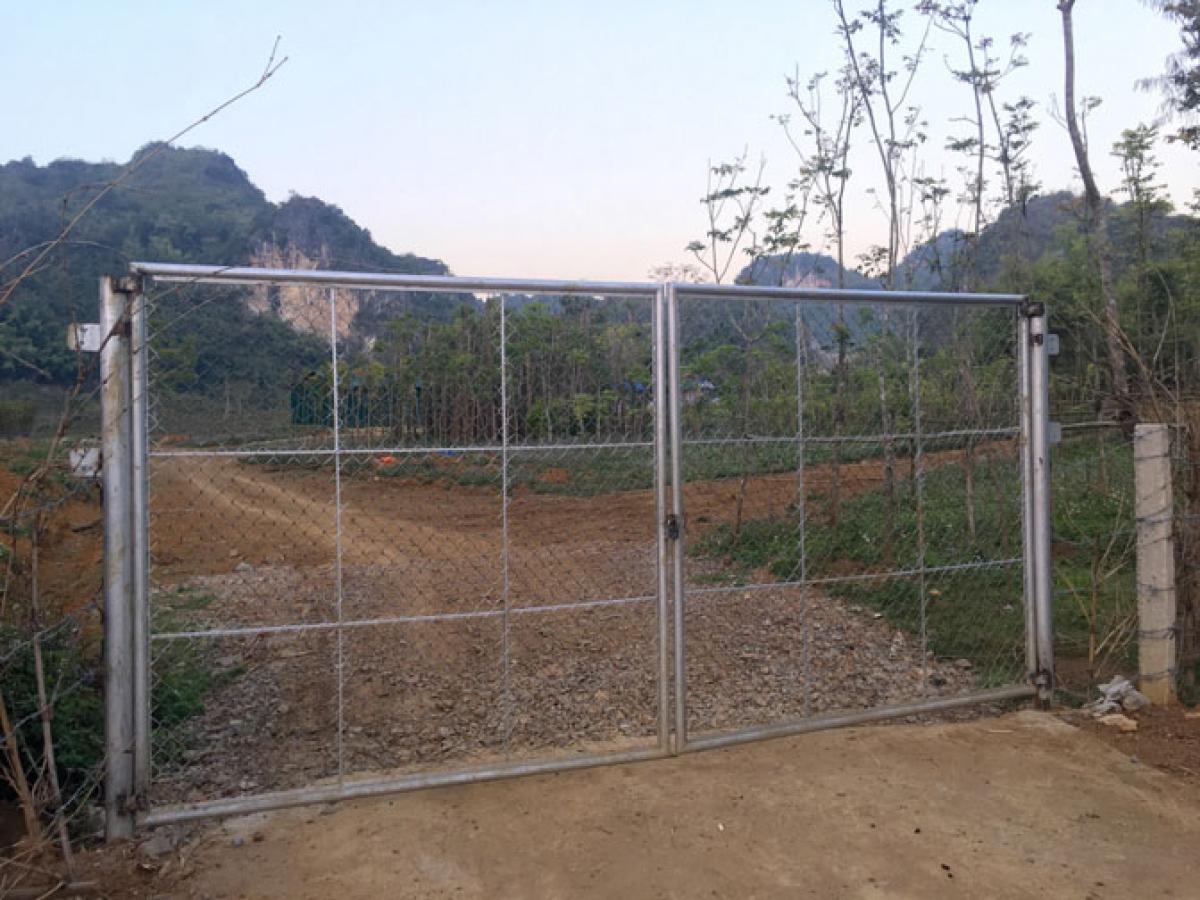 Cổng vào khu vực Phiêng Khá từ đường Lê Đức Thọ