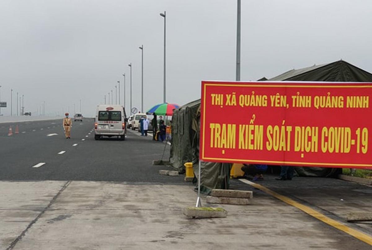 Một chốt kiểm soát dịch Covid-19 tại tỉnh Quảng Ninh.