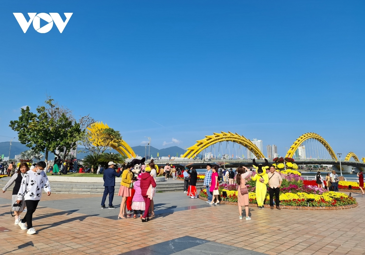 During the festive period the streets of Da Nang can be seen decorated with flags and flowers in celebration of the Lunar New Year Festival.