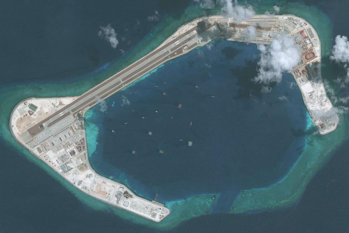 Đá Subi thuộc quần đảo Trường Sa của Việt Nam bị Trung Quốc bồi đắp trái phép thành đảo nhân tạo. Ảnh:DigitalGlobe/Getty Images.