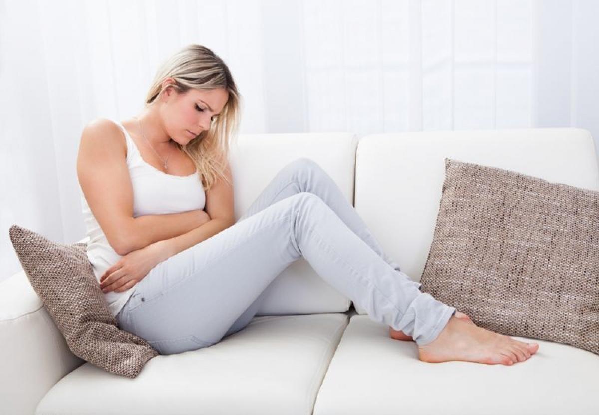 Thay đổi nội tiết: Thay đổi cân bằng nội tiết trong máu cũng có thể gây chóng mặt, mất thăng bằng. Phụ nữ có thể gặp phải triệu chứng này trong giai đoạn rụng trứng hoặc trong kỳ kinh nguyệt.