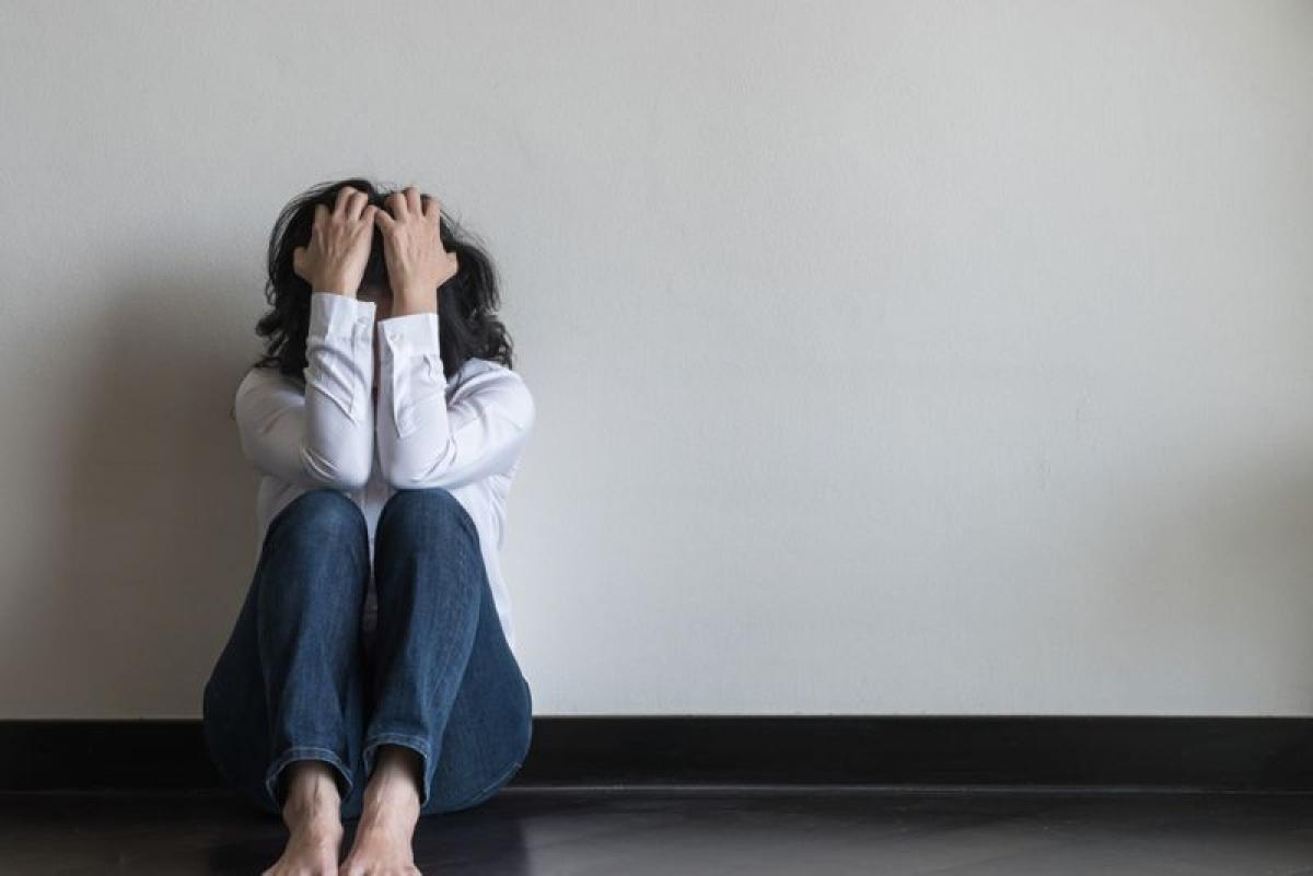 Rối loạn hoảng sợ: Những người mắc chứng rối loạn hoảng sợ có thể cảm thấy chóng mặt khi cơn hoảng loạn bắt đầu. Theo giả thuyết, khi mức độ căng thẳng tăng lên, người bệnh sẽ bắt đầu thở gấp. Điều này làm thay đổi pH máu và dẫn đến cơn hoảng loạn.