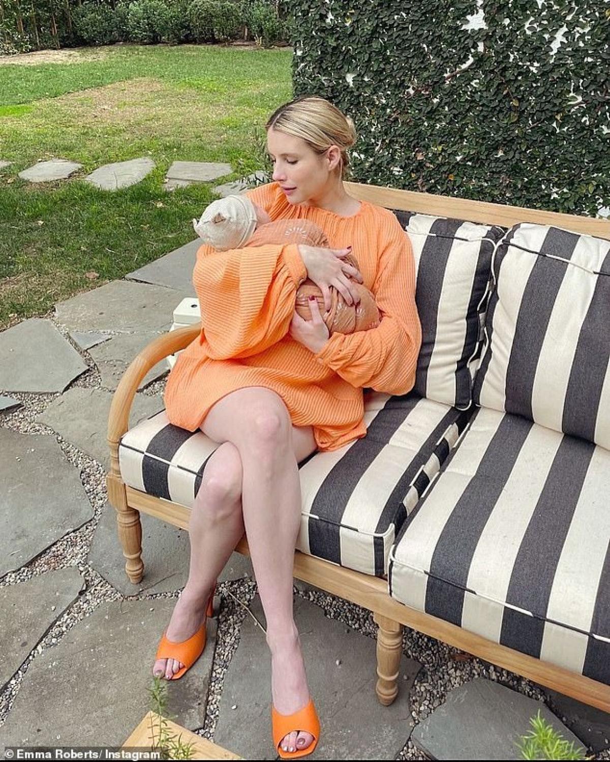 Emma Roberts công khai hẹn hò với Garrett Hedlund vào hồi tháng 3/2019 sau khi kết thúc mối tình 7 năm với hôn phu Evans Peters.