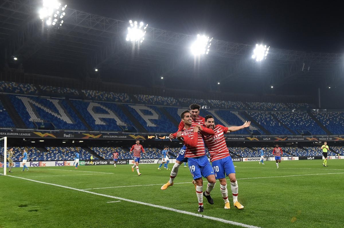 Napoli hòa Granada 1-1 ở trận lượt về và thua với tổng tỷ số 1-3 sau hai lượt trận.