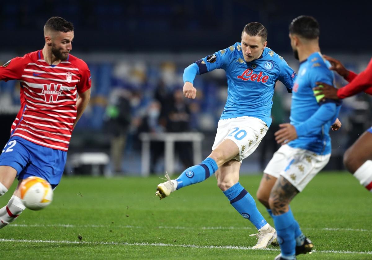 Đại diện còn lại của Serie A là Napoli đã phải nói lời chia tay Europa League.