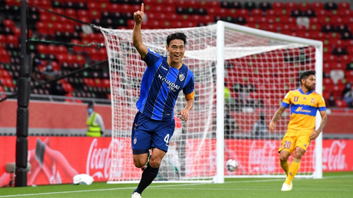 Kim Keehee ghi bàn thắng đầu tiên tại FIFA Club World Cup 2020. (Ảnh: Getty)