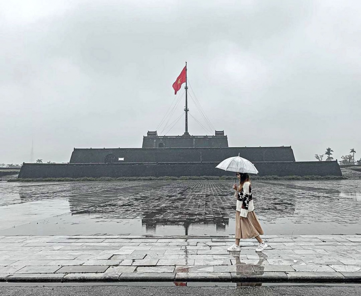 Located in front of the former Hue Imperial Citadel, the flag tower is part of the Hue monument complex. At 17.5 metres, tall the tower consists of three flat-top pyramids and also features a flag pole which is 40 metres high. (Photo: Gia Linh)