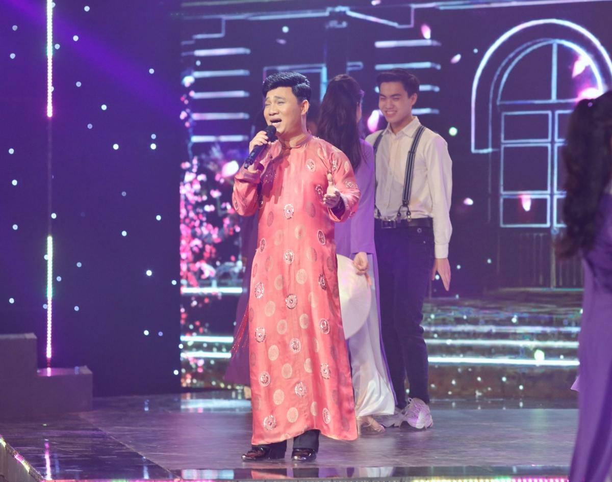 Quang Linh.