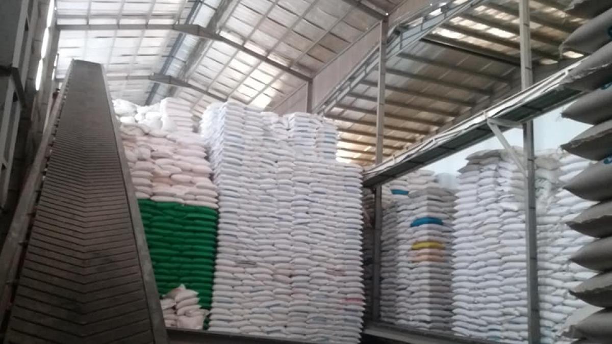 Một nhà máy xay xát lúa gạo tại huyện Cái Bè, Tiền Giang