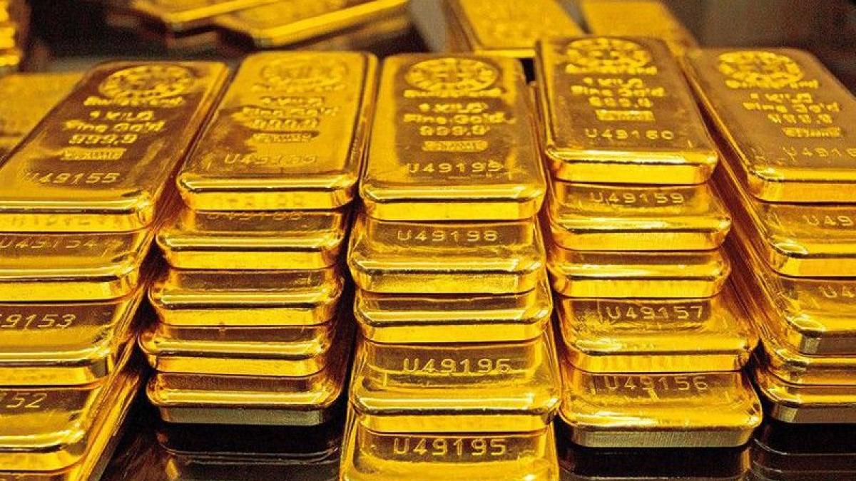 Giá vàng trong nước đứng giá vàng thế giới giảm mạnh. (Ảnh: KT)