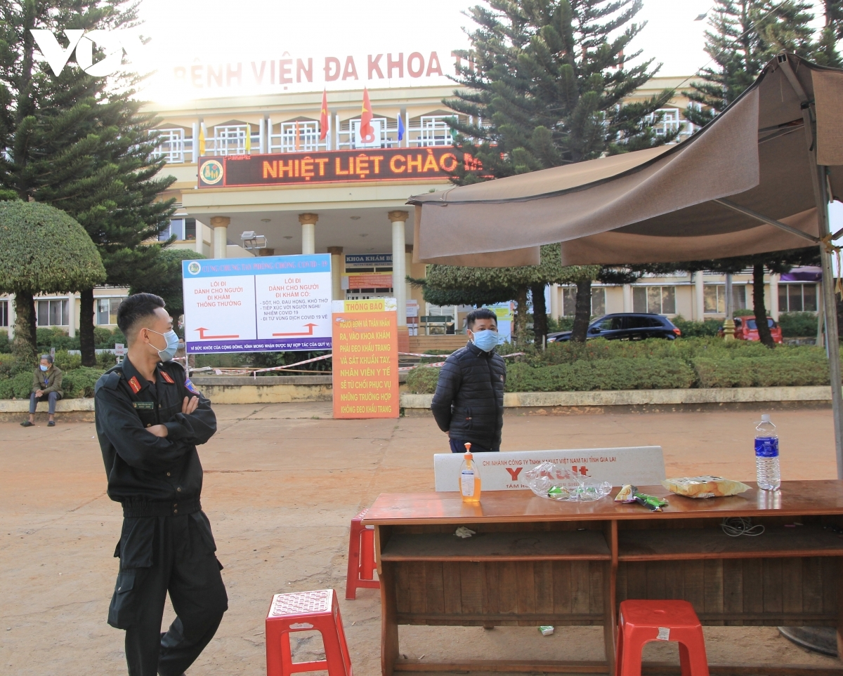 Gia Lai General Hospital is put into isolation after an individual who tested positive for COVID-19 was detected at the site.
