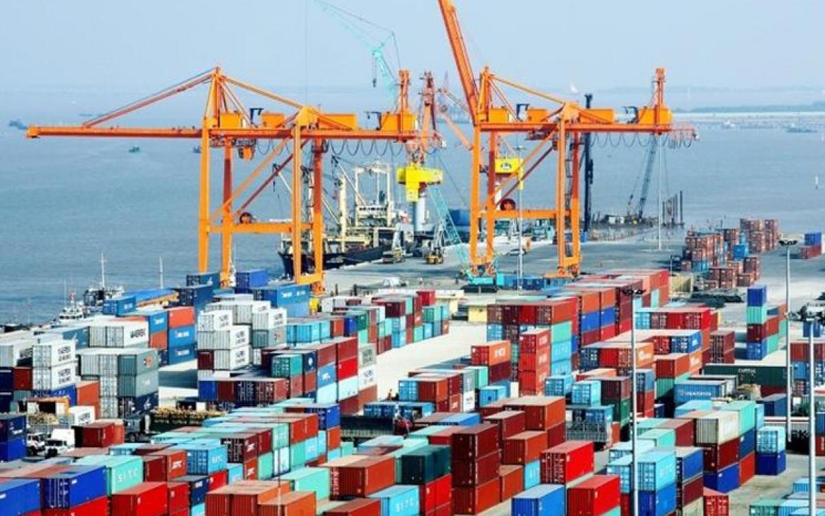 Cảng biển Hải Phỏng có lưu lượng hàng hóa lưu thông lớn nhất phía Bắc Việt Nam, với hệ thống thiết bị hiện đại, cơ sở hạ tầng đầy đủ, an toàn và phù hợp với phương thức vận tải, thương mại quốc tế.