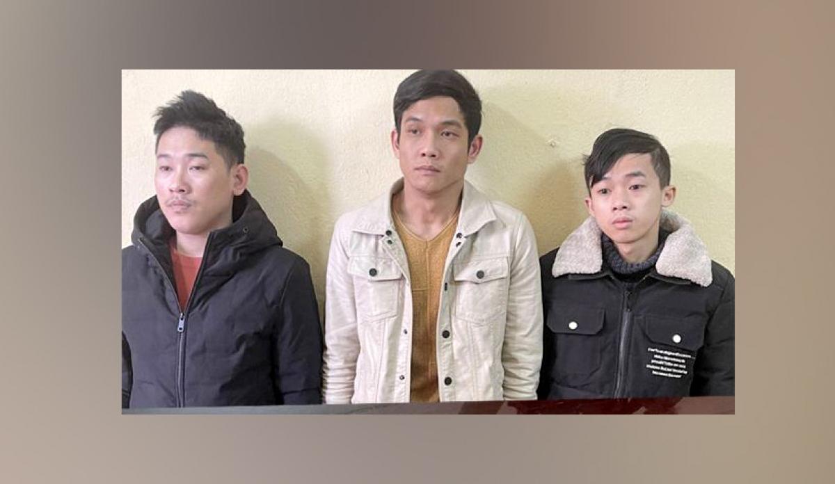 3 đối tượng Phú, Hiền và Chung (từ trái qua)
