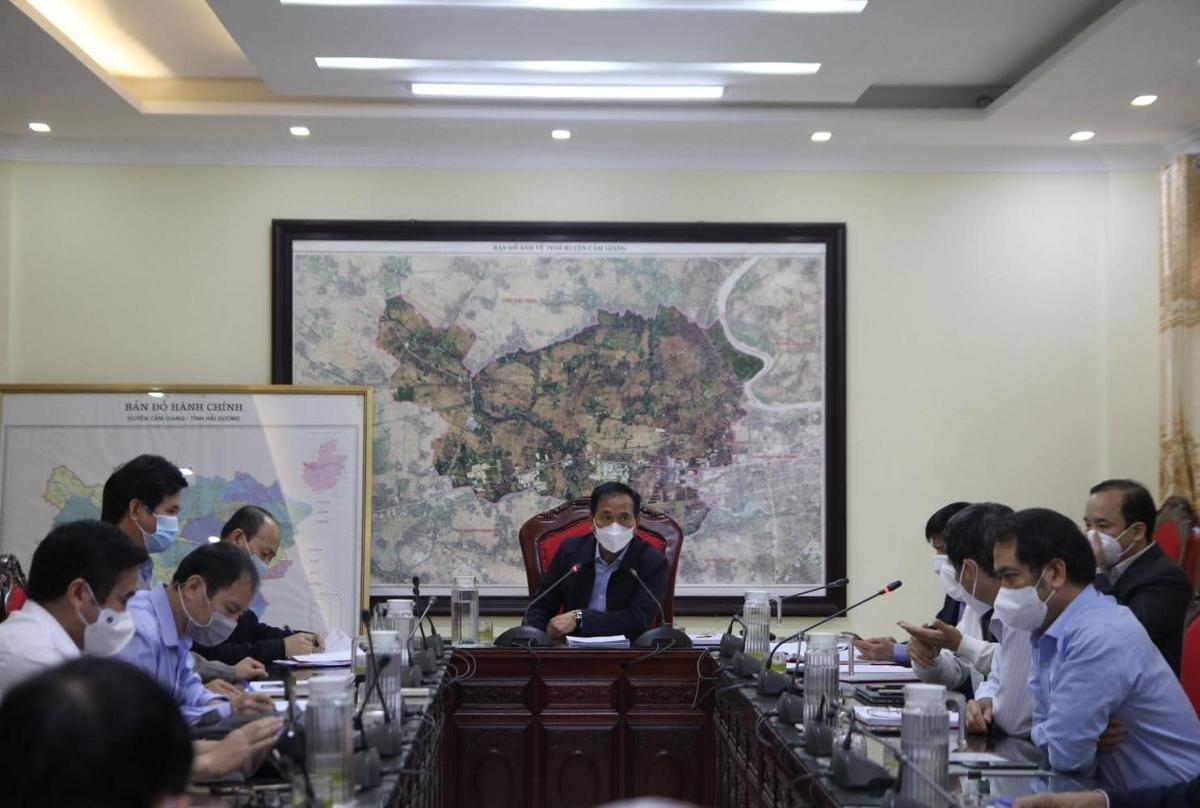 Ông Lưu Văn Bản – Phó Chủ tịch tỉnh Hải Dương – Tổ trưởng tổ công tác tăng cường phòng chống dịch COVID-19 trên địa bàn huyện Cẩm Giàng. (Ảnh: Bộ Y tế)