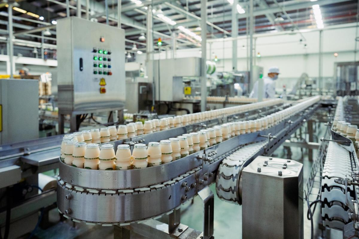 Dây chuyền sản xuất khép kín, hiện đại, đảm bảo chất lượng an toàn giúp sản phẩm Vinamilk được chọn phục vụ cho nhiều sự kiện lớn của quốc gia