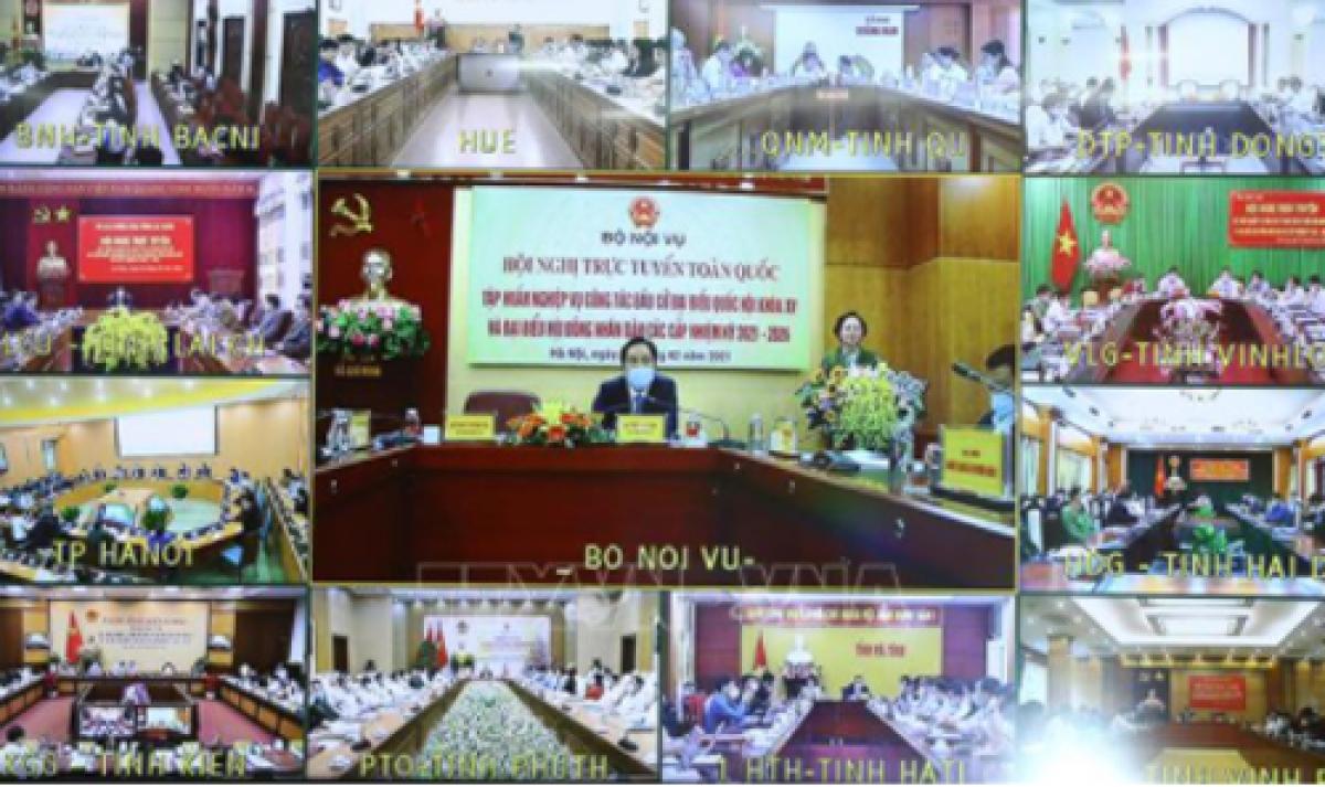 Hội nghị trực tuyến về tập huấn công tác bầu cử do Bộ Nội vụ tổ chức sáng 25/2 (Ảnh: TTXVN)