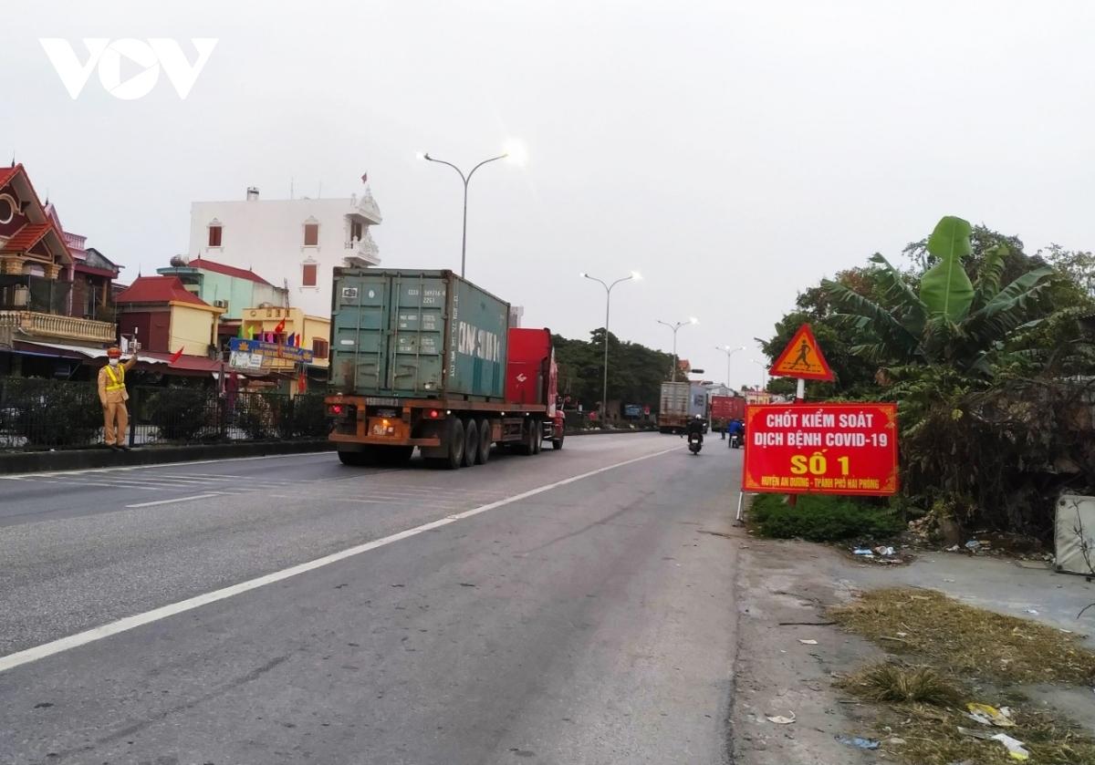 Xe vận chuyển hàng hóa từ Hải Dương và các địa phương có thể vào Hải Phòng nêu đáp ứng đầy đủ các quy định về phòng chống dịch bệnh.