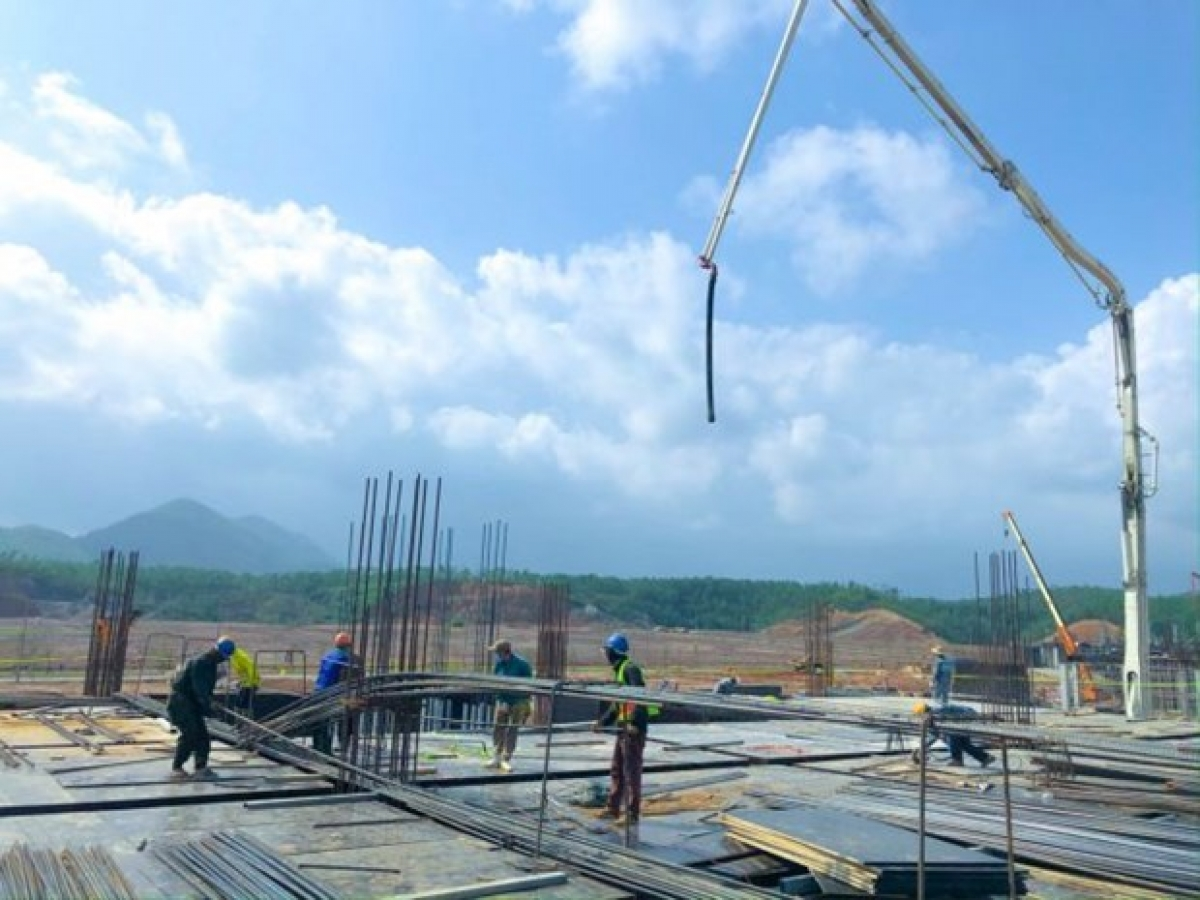Works on a ICT factory zone begins at the Da Nang Information Technology Park. (Photo courtesy of Trung Nam Group)