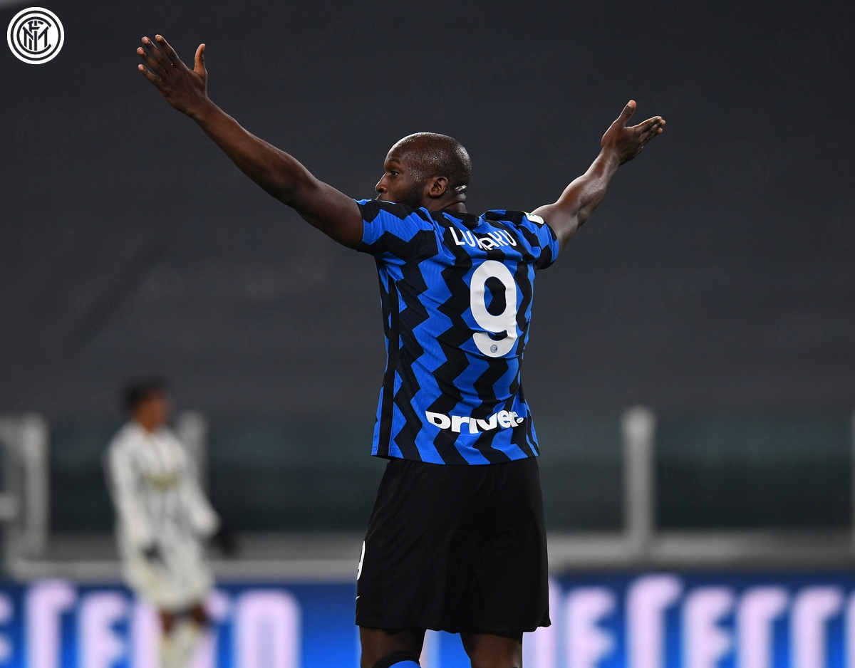 Romelu Lukaku không thể giúp Inter Milan lật ngược thế cờ. (Ảnh: Inter Milan)