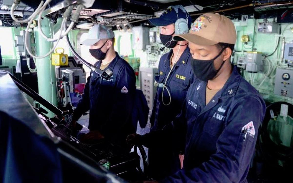 Khu vực điều khiển trên tàu USS Russell. Ảnh: Hải quân Mỹ.