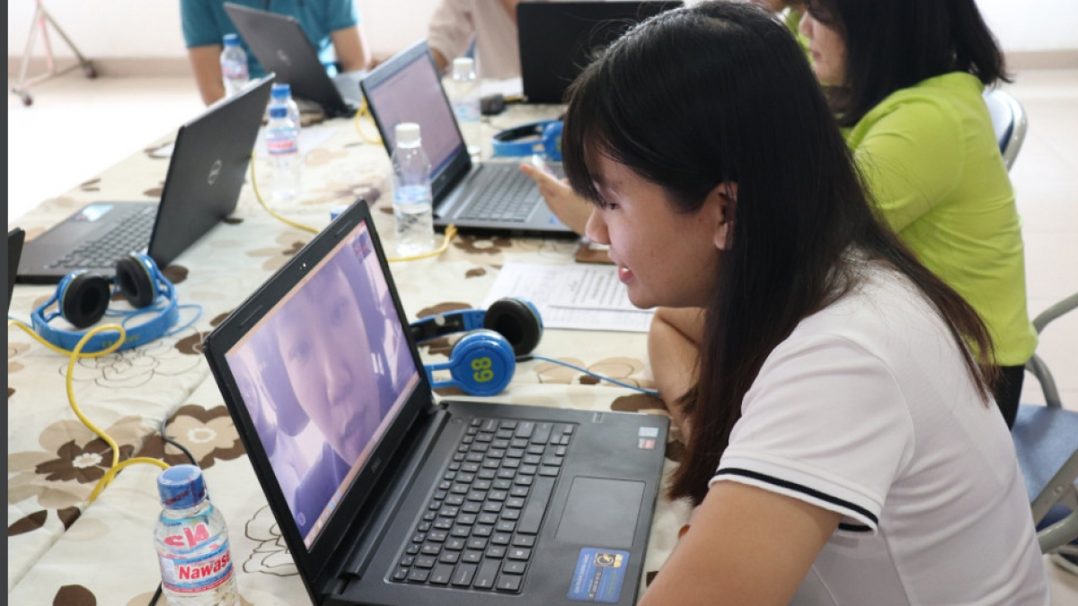 Doanh nghiệp tuyển dụng bằng sàn giao dịch việc làm trực tuyến