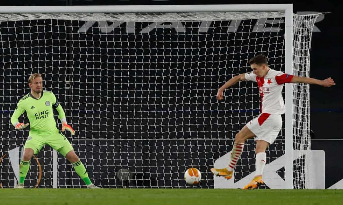 Leicester gục ngã dù được đánh giá cao hơn Slavia Praha. (Ảnh: Getty)