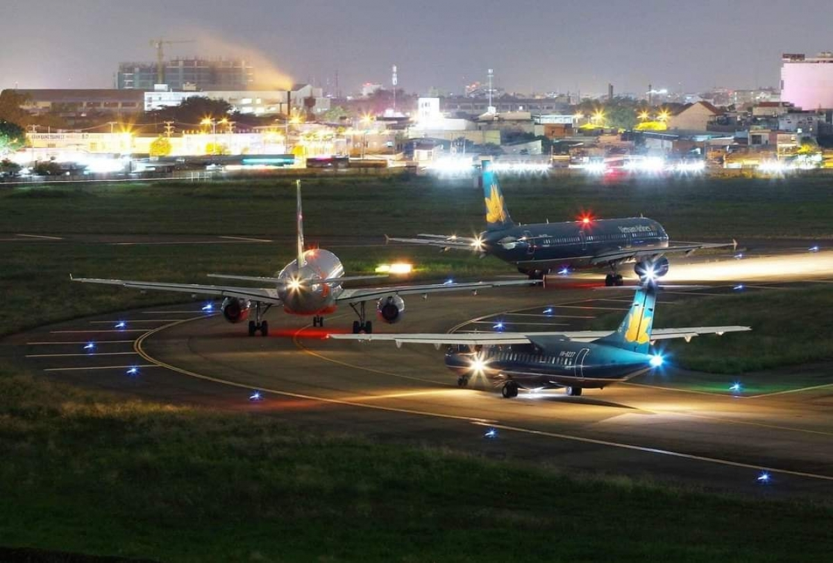 Các hãng lưu ý hành khách thực hiện việc thay đổi trước ít nhất 3 tiếng so với giờ khởi hành dự kiến của chuyến bay. Việc hỗ trợ chỉ được áp dụng 1 lần đối với một vé.