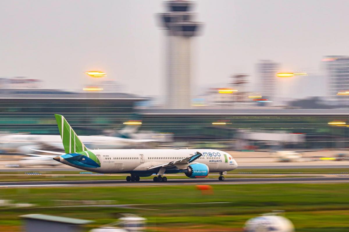 Bamboo Airways cũng thông báo áp dụng chính sách hoàn, đổi vé với khách đã đặt vé của hãng nhưng chuyến bay bị ảnh hưởng bởi dịch Covid-19.