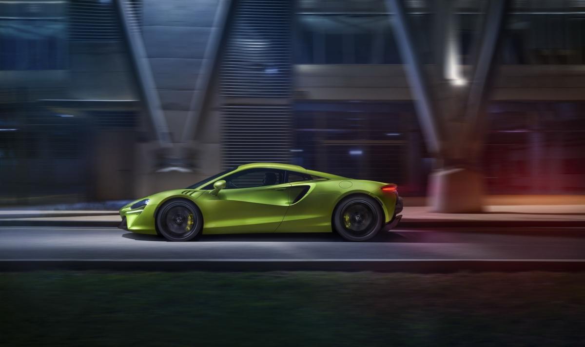 Động cơ V6 mới của McLaren có khối lượng chỉ 160 kg, nhẹ hơn đến 50 kg so với những động cơ V8 trước đây.