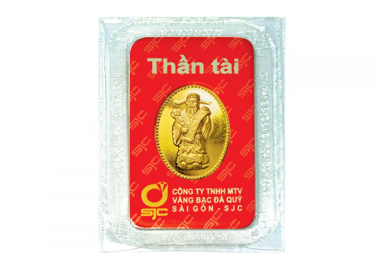 """Nhiều khách lựa chọn sản phẩm vàng có hình Thần Tài với mong ước Thần Tài sẽ """"gõ cửa"""", tài lộc dồi dào, may mắn cả năm. (Ảnh: SJC)"""