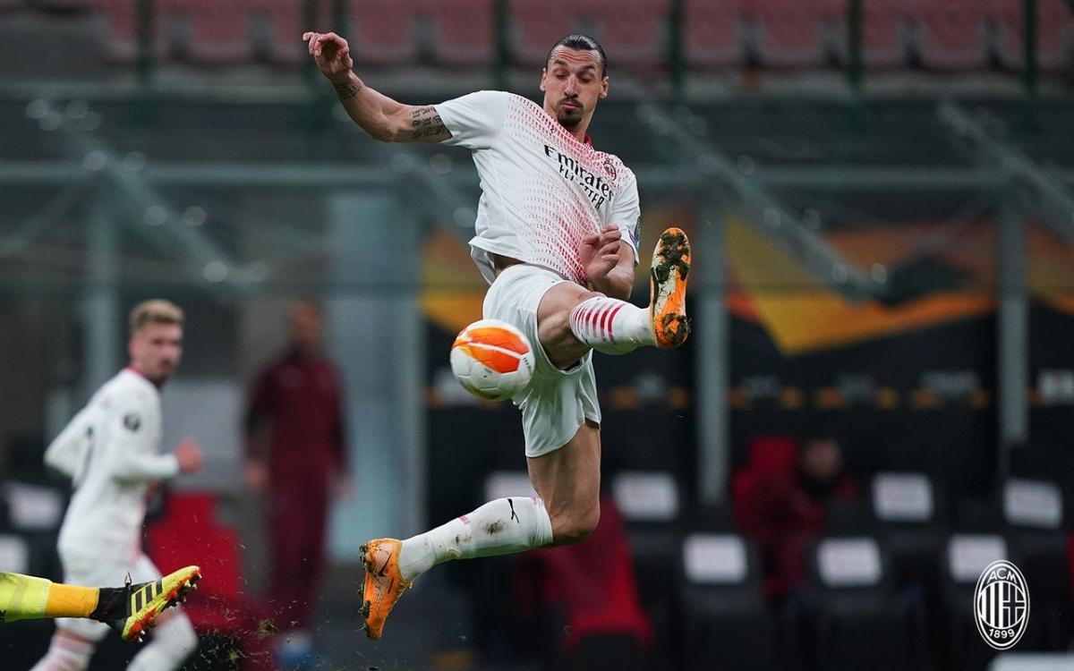AC Milan vượt qua Crvena Zvezda dù hòa với tổng tỷ số 3-3 sau hai lượt trận nhờ luật bàn thắng trên sân khách.