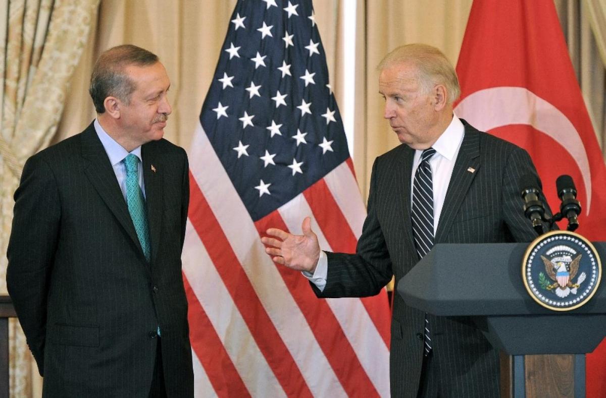 Ông Joe Biden - khi đó là Phó Tổng thống Mỹ, và ông Tayyip Erdogan - khi đó là Thủ tướng Thổ Nhĩ Kỳ, trong một cuộc gặp tại Washington năm 2013. Ảnh: AFP