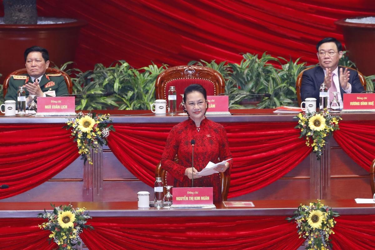 Chủ tịch Quốc hội Nguyễn Thị Kim Ngân chủ trì phiên bế mạc Đại hội Đảng lần thứ XIII.