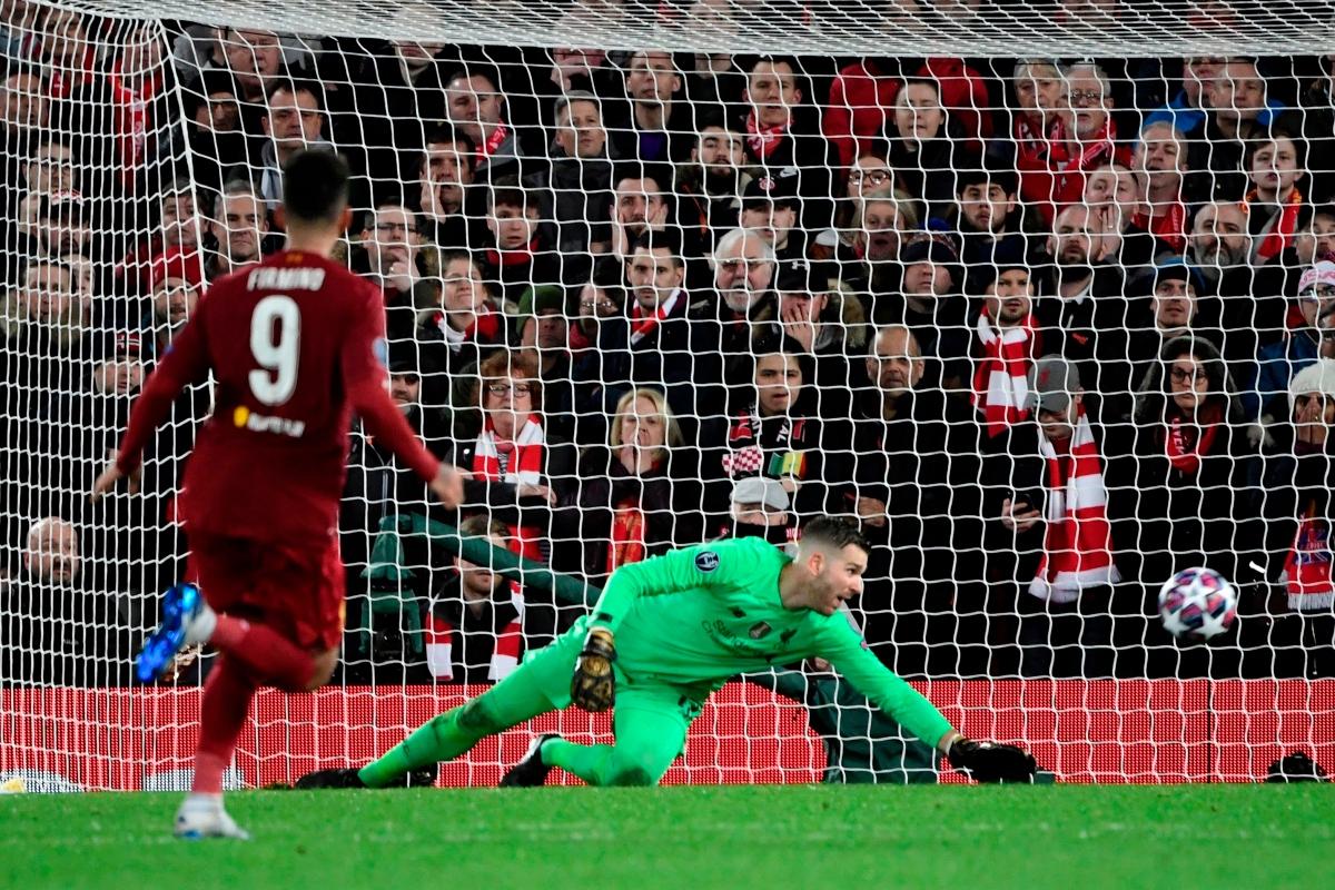 Adrian mắc sai lầm ngớ ngẩn trong hiệp phụ và bị Marcos Llorente trừng phạt. Liverpool thua 2-3 trên sân Anfield và bị loại cay đắng, dù hai lần vượt lên dẫn trước Atletico Madrid ở trận lượt về.