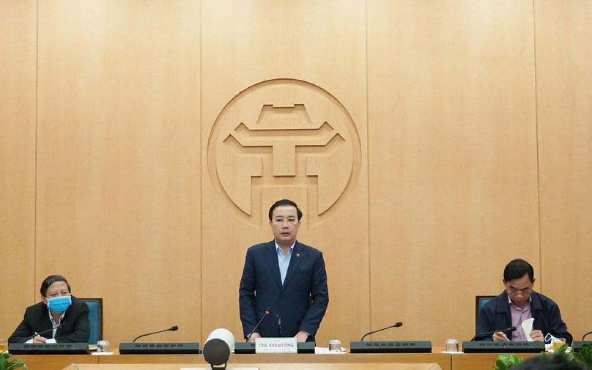Phó Chủ tịch UBND TP Hà Nội Chử Xuân Dũng yêu cầu, rà soát kỹ giảm bớt phạm vi cách ly đảm bảo đời sống cho người dân.