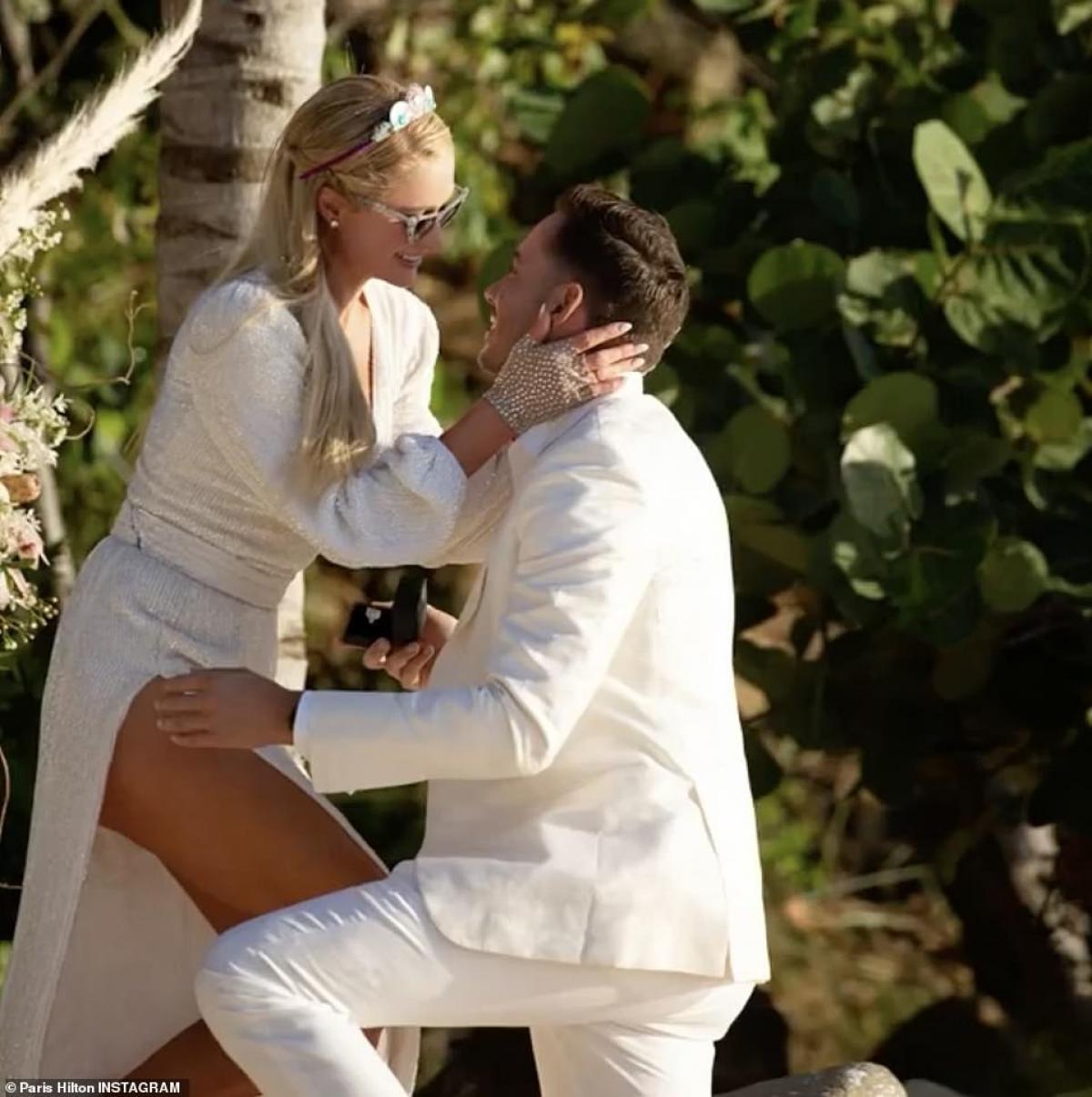 """Đồng thời, Paris Hilton cũng khẳng định, cô """"không thể chờ đợi"""" thêm nữa để bắt đầu cuộc sống gia đình với Carter Reum./."""
