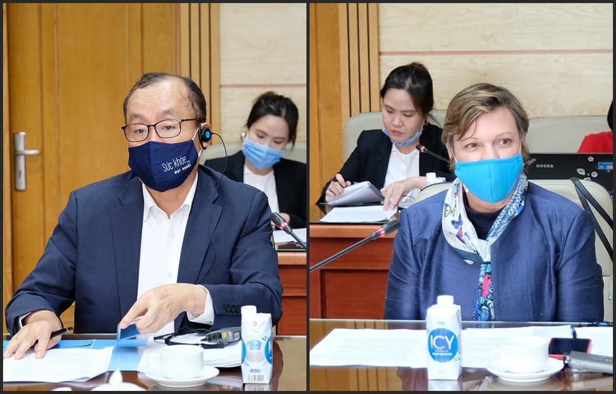 Đại diện WHO (bìa trái) và UNICEF tại Việt Nam.