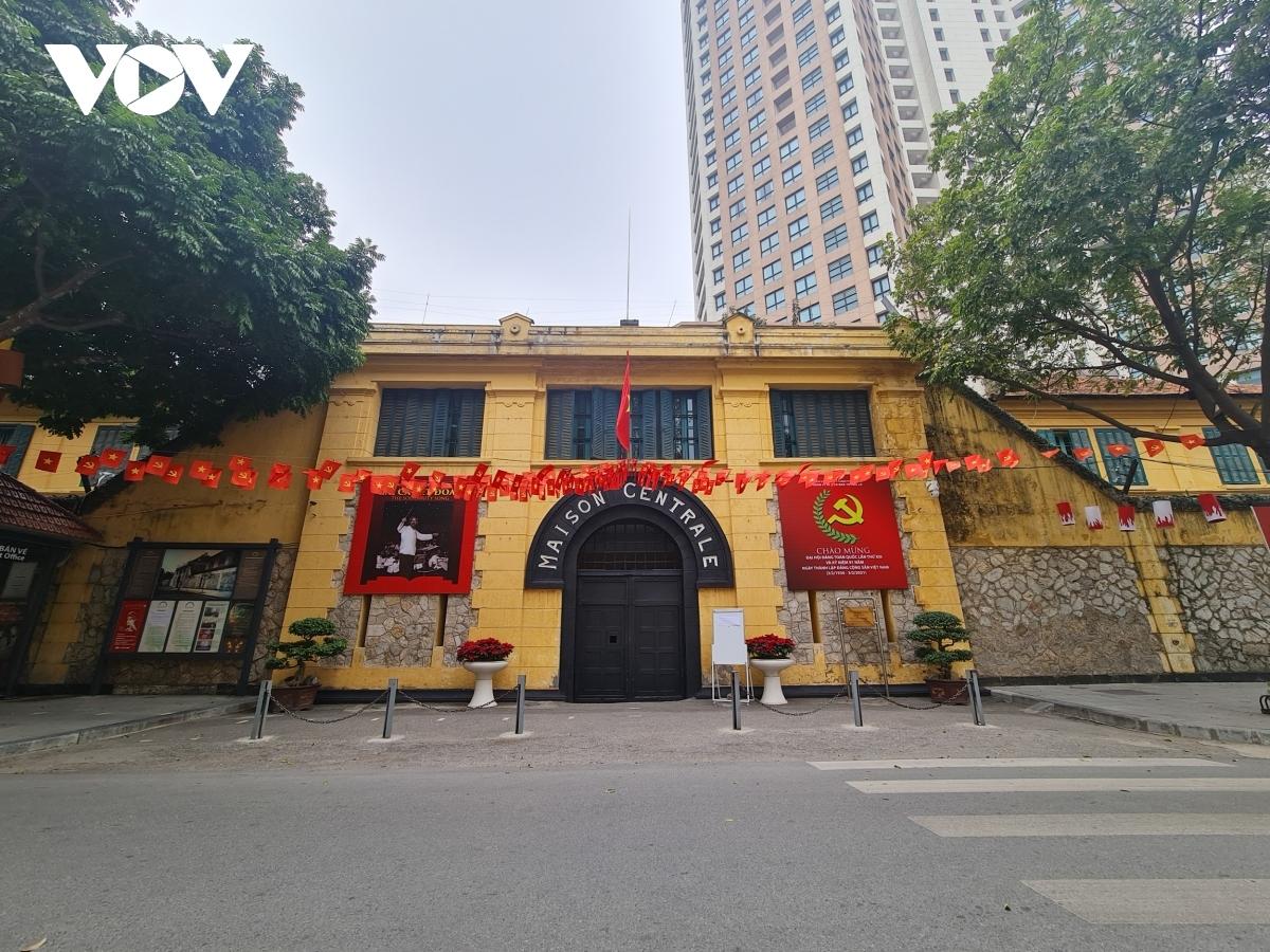 Hoa Lo prison is left empty.