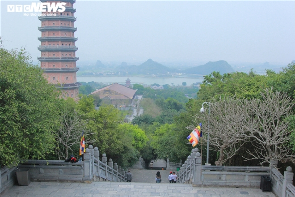 Few old people visit Bai Dinh pagoda this year due to COVID-19 fears.