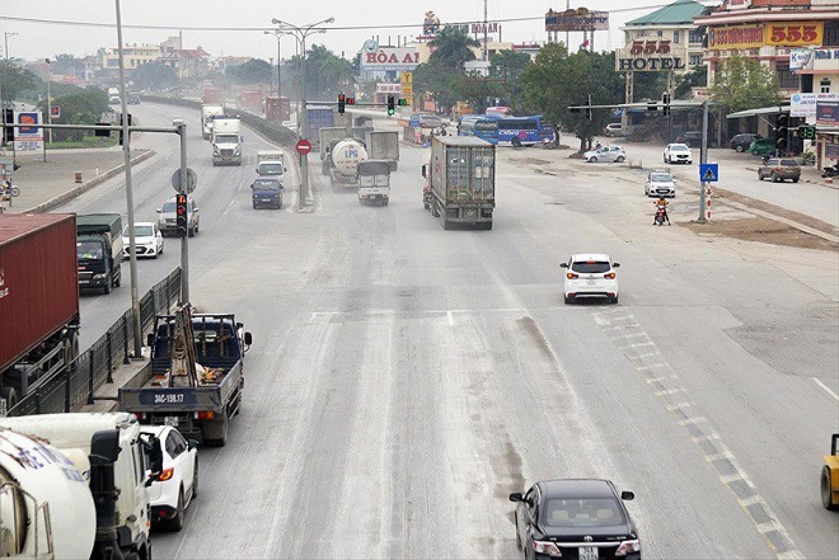 Tổng cục Đường bộ yêu cầu thực hiện nghiêm phân luồng phương tiện qua địa bàn tỉnh Hải Dương để phòng chống dịch Covid-19.
