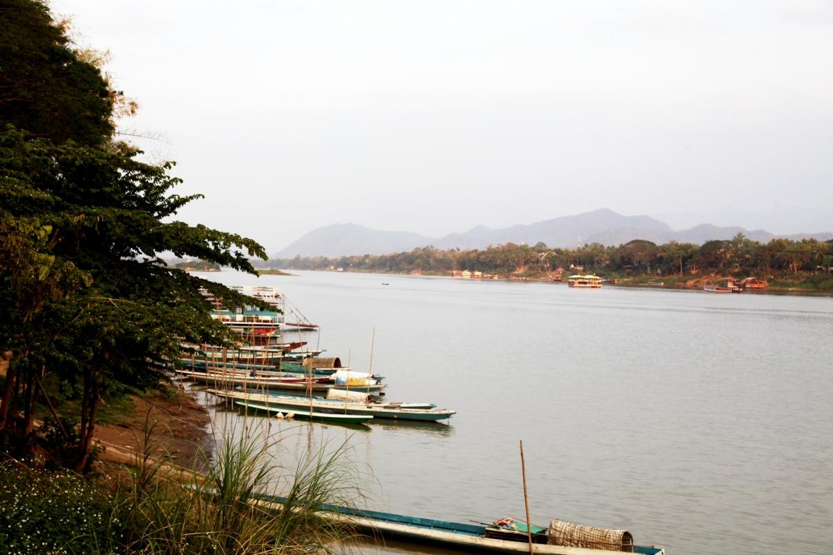 Sông Mekong đoạn chảy qua thành phố Luang Pra bang- Lào.