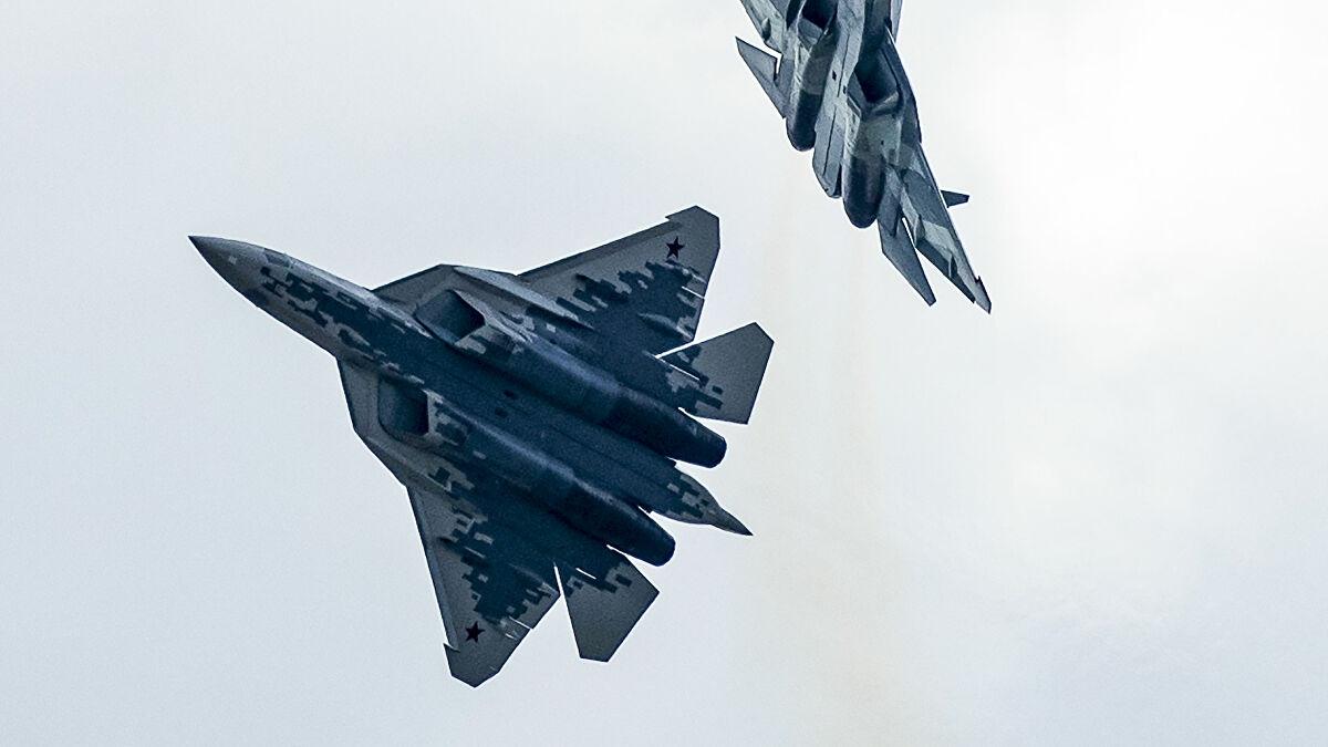 Tiêm kích tàng hình Su-57 của Nga. Ảnh: AP