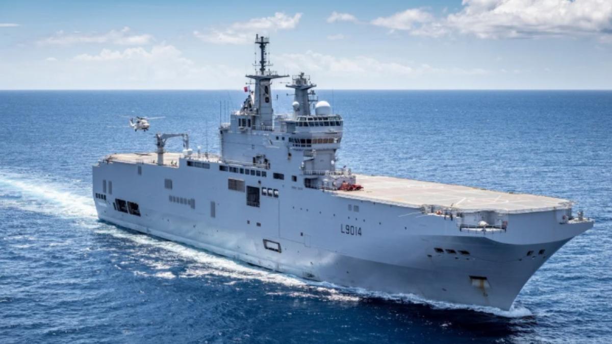 Pháp điều tàu đổ bộ tấn công Tonnerre tới Thái Bình Dương thực hiện nhiệm vụ huấn luyện và tuần tra kéo dài 3 tháng. Ảnh: Twitter.
