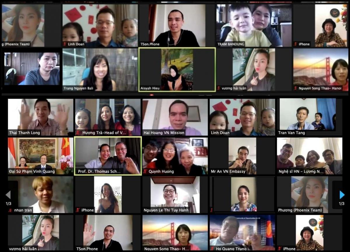 Có khoảng 120 người Việt tại Indonesia và Timor Leste tham dự Tết cộng đồng 2021 trực tuyến.