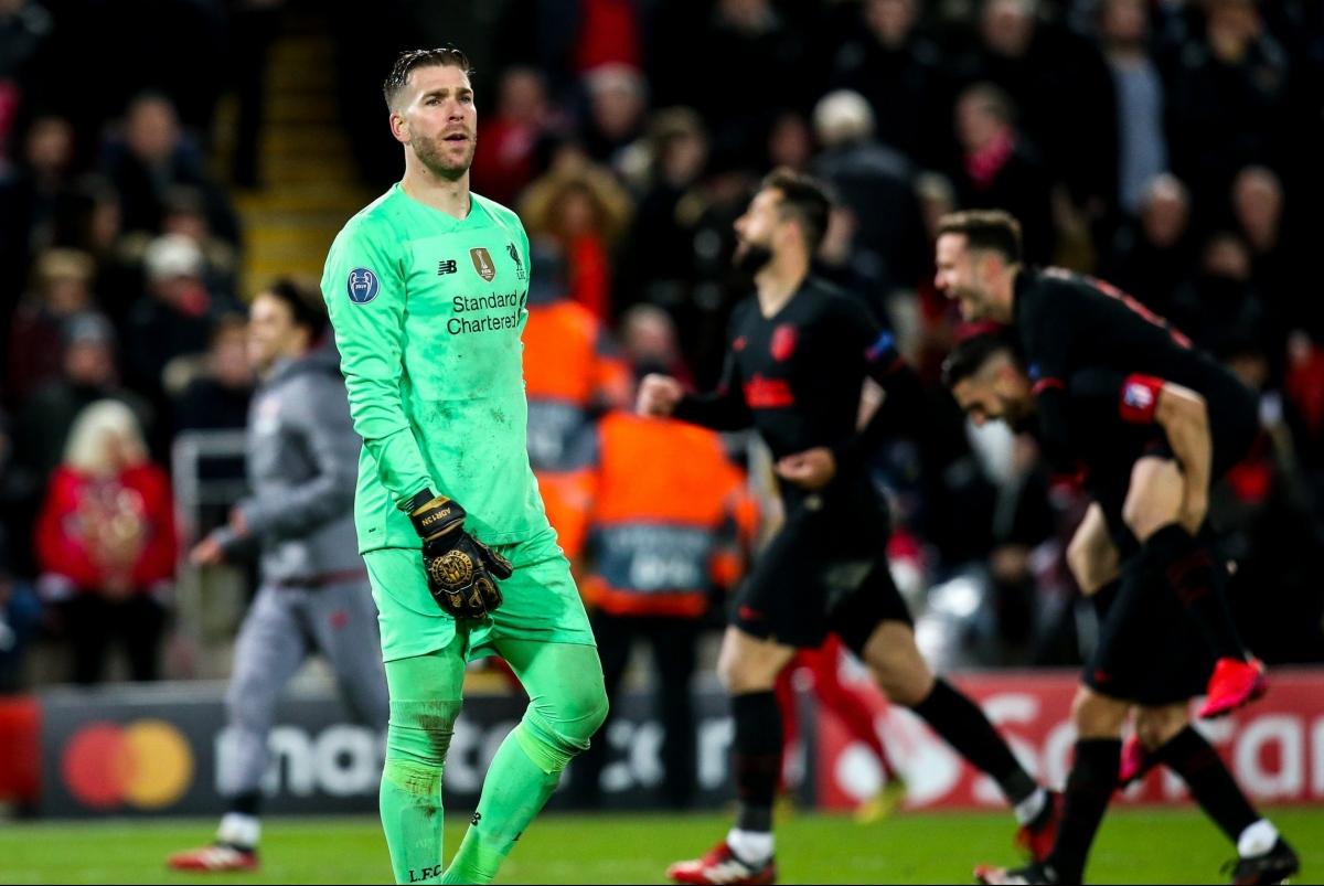 """Mùa trước, thủ môn Adrian là """"tội đồ"""" khiến Liverpool trở thành cựu vô địch Champions League."""