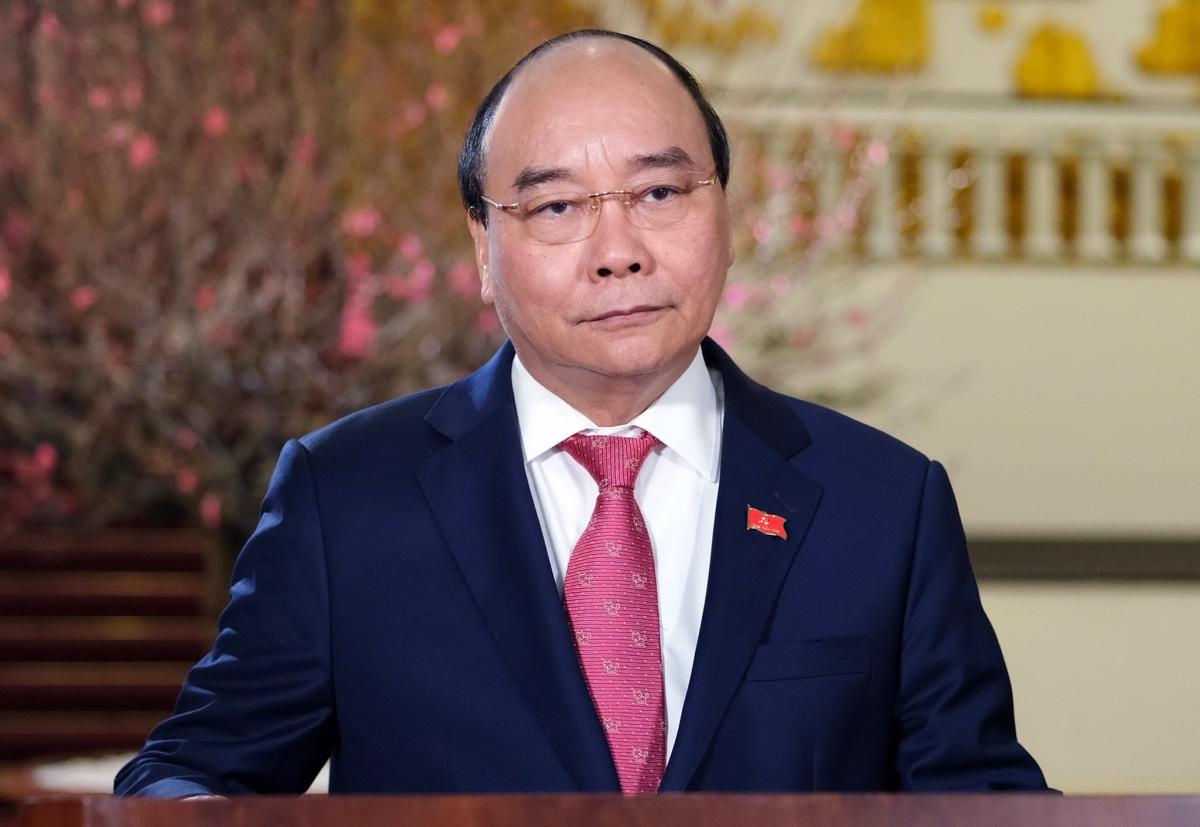 Thủ tướng Nguyễn Xuân Phúc gửi lời chúc mừng năm mới Tân Sửu tốt đẹp nhất đến những người con của quê hương Việt Nam đang sinh sống, làm việc và học tập ở nước ngoài (Ảnh: VGP).