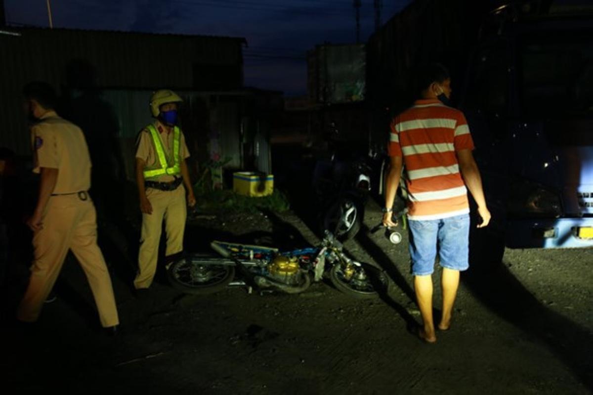 Mùng 3 Tết (ngày 14/2), toàn quốc xảy ra 28 vụ tai nạn giao thông đường bộ, làm chết 15 người, bị thương 23 người.