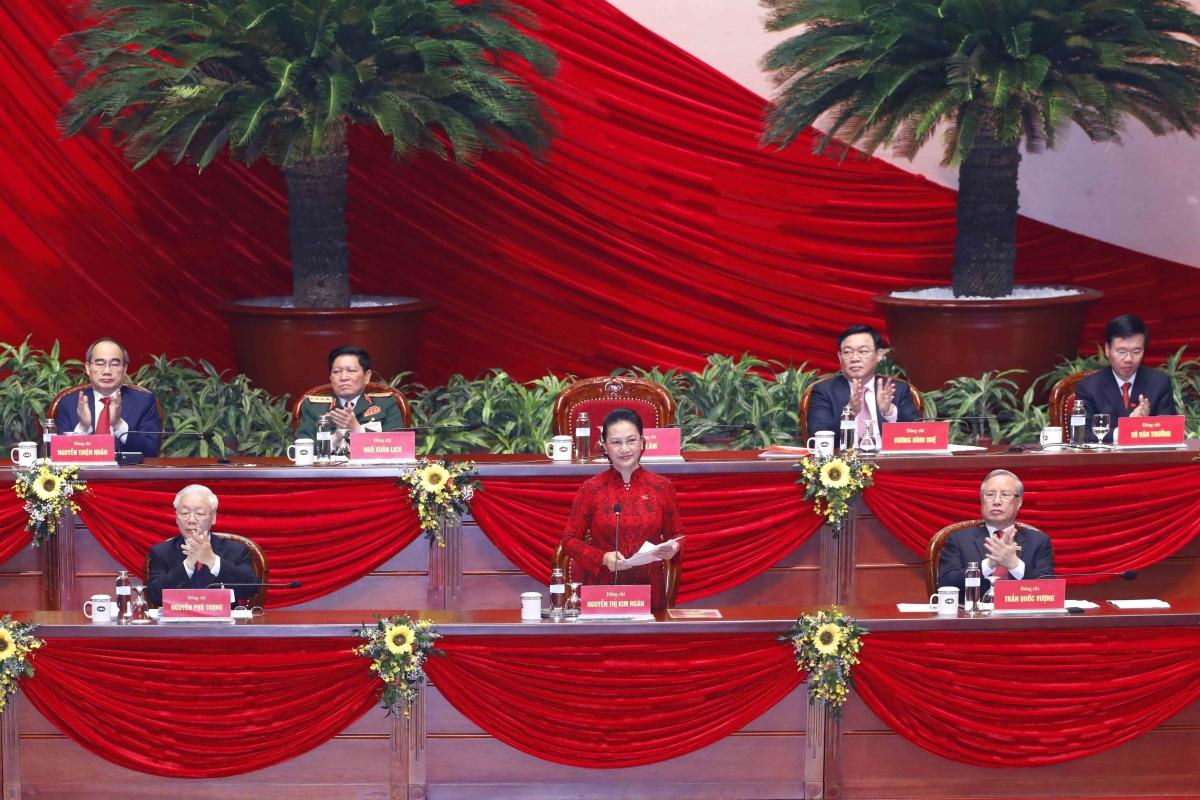 Đoàn Chủ tịch tại phiên bế mạc Đại hội Đảng lần thứ XIII.