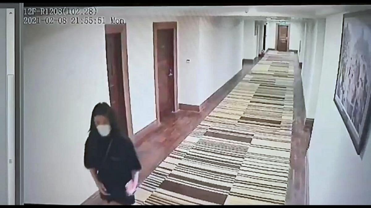 Hình ảnh công dân Trung Quốc trốn khỏi khu cách ly được cắt từ Camera an ninh.