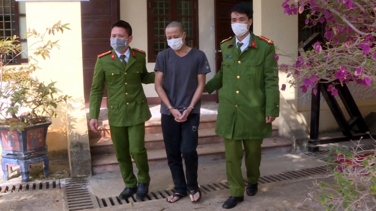 Đối tượng Hoàng Văn Hoài bị khởi tố về tội trộm cắp tài sản.